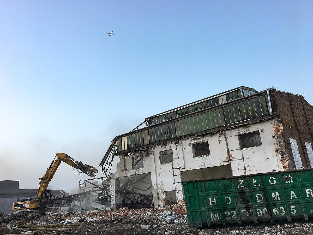 Ożarów Mazowiecki – rozbiórka hali